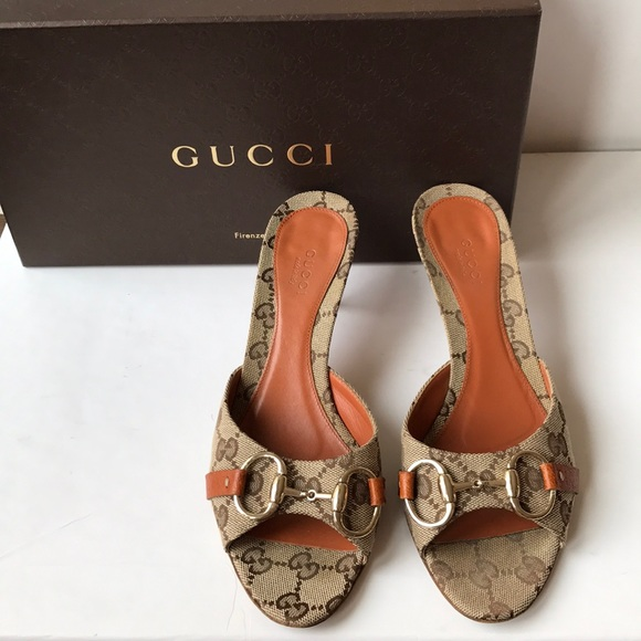 48a573dd36d Gucci Shoes - Gucci horsebit GG supreme slides sandals! Size 7